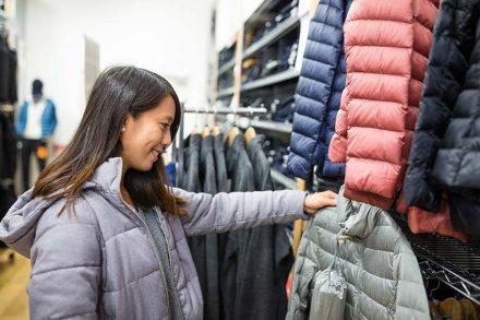 なぜ洋服の商標登録で下着や寝巻の指定を忘れるのか