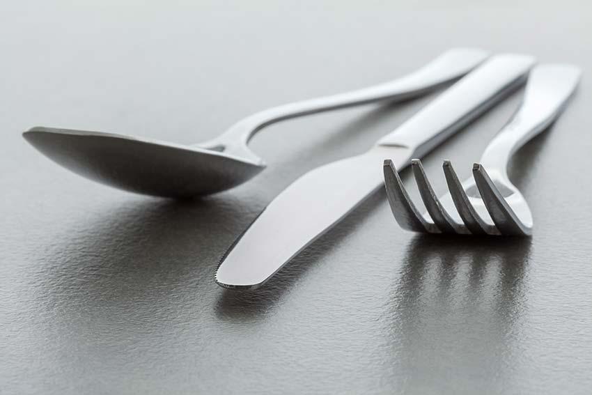 スプーンフォークの商標登録で無料追加できる包丁ナイフの権利入れ忘れが2020年だけで8000万円分増加